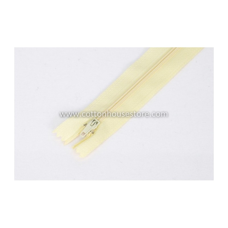 "Zipper 9"" Light Yellow 0059"