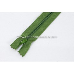 "Zipper 9"" Green 0049"
